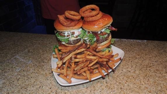 http://www.foodchallenges.com/wp-content/uploads/2014/05/Rocky-Vanders-Burger-Challenge-572x322.jpg