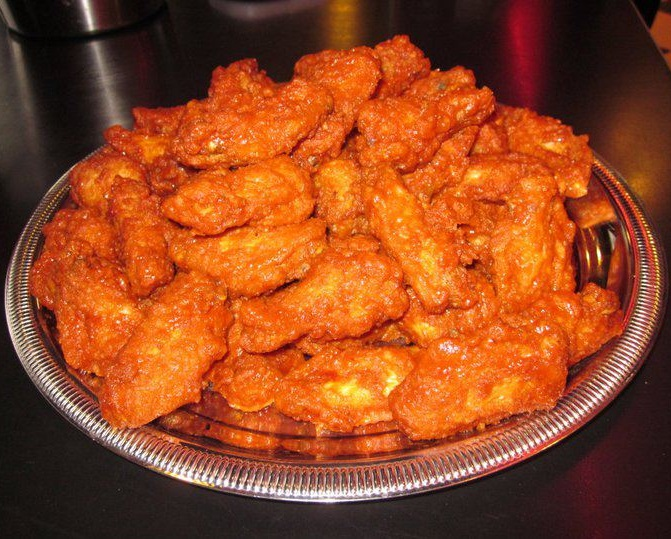 wing eating challenge how to win