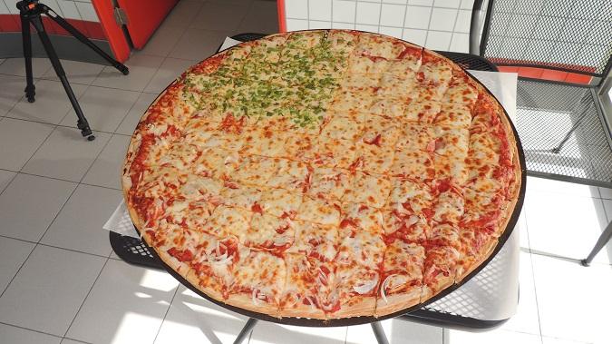 Mamma Mia's Don Pizza Challenge Rockford Illinois