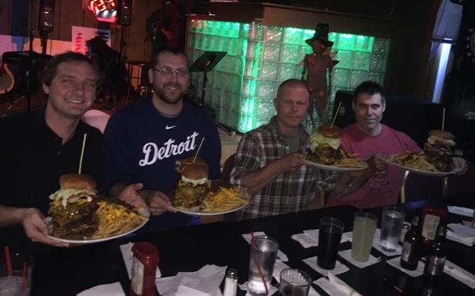Flannigan's 3lb Burger Challenge Pic