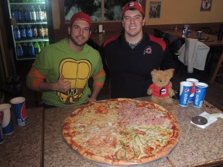#463 Garbonzo's 28 inch Team Pizza Challenge