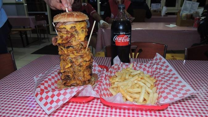 Memphis BBQ's American Dream Burger Challenge