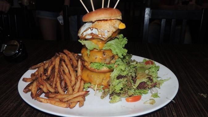 Little Diner's Empire Burger Challenge