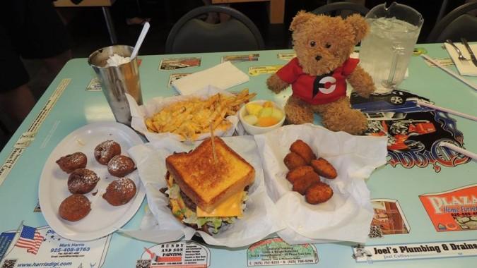 Digger's Diner's 6 Food Under Challenge
