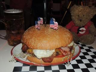 #629 Billy Bob Wall of Fame Burger Challenge