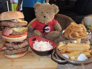#644 Hula's Tiki Man vs Food Burger Challenge