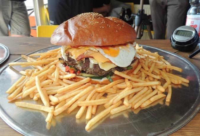 Daniel's Melnik Strongman Burger Challenge