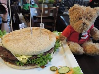 #435 XXL Essen und Trinken's 3kg Burger Challenge