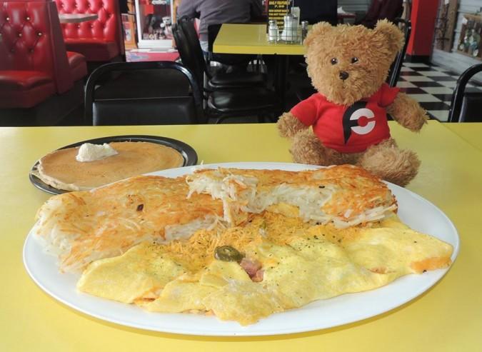 No Frills Diner's King Omelet Challenge