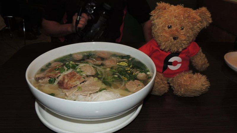 558-sprouts-super-bowl-pho-challenge