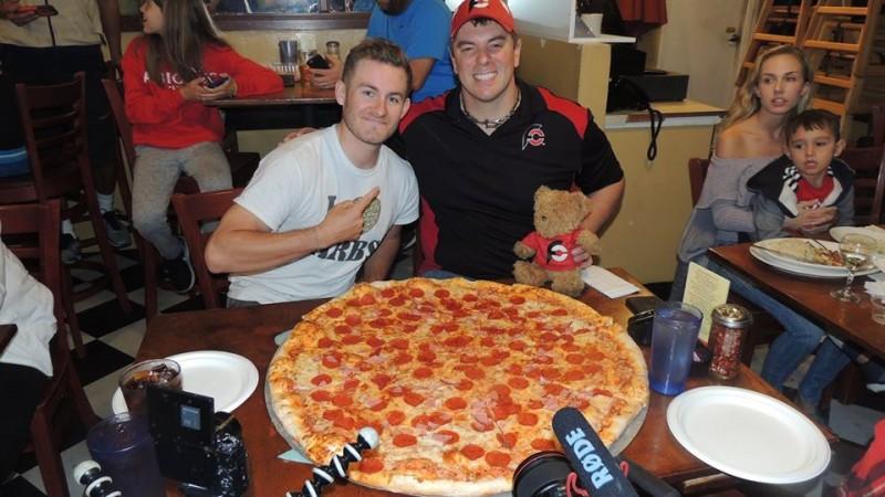 571-luigis-30-inch-team-pizza-challenge