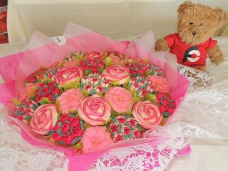 #616 Bouquets and Buttercream Challenge