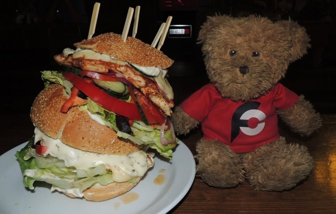 Kovarna u Hodin Jumbo Chicken Burger Challenge