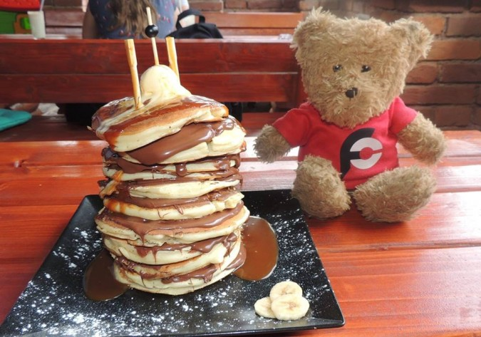 Nase Bistro Tower of Pancakes Challenge