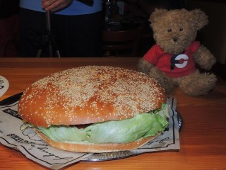 #656 Johny's Pochlarn XXL Beast Burger Challenge