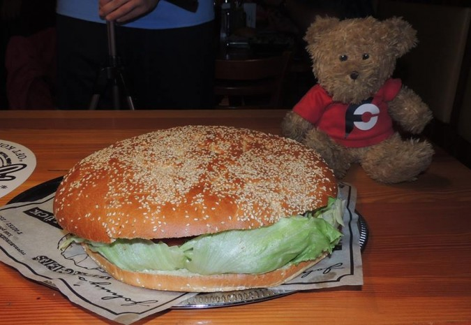 Johny's Pochlarn XXL Beast Burger Challenge