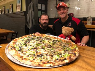 #685 Vito's 26 inch Team Pizza Challenge