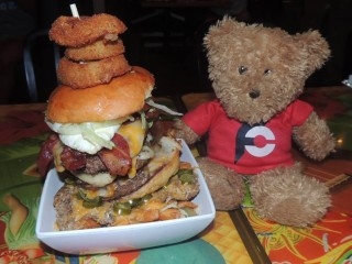 #688 Cheeseburger Waikiki Burger Challenge