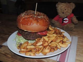 #727 Yasmine's Shanghai China 3kg Burger Challenge