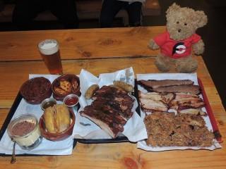 #827 Smoke Ring BBQ Man vs Food Challenge Rome Italy