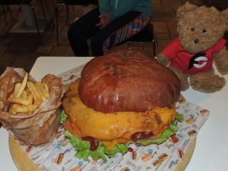 #829 Funky Go San Vito Kiloburger Gourmet Burger Challenge