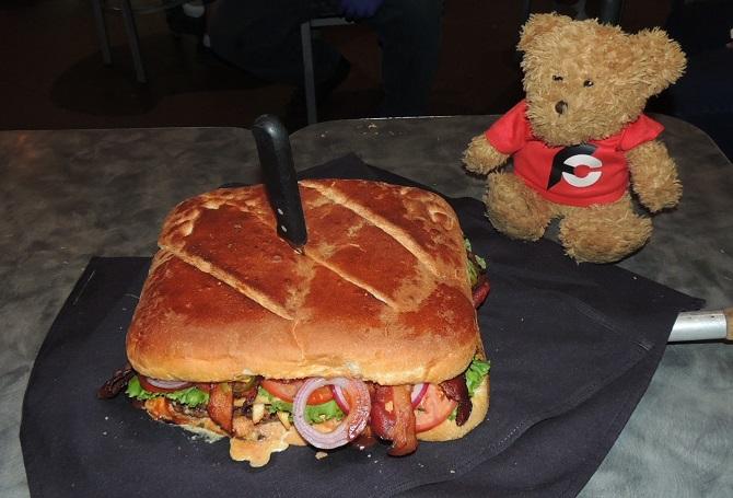 835-kennys-el-jefe-grande-burger-challenge-frisco-texas