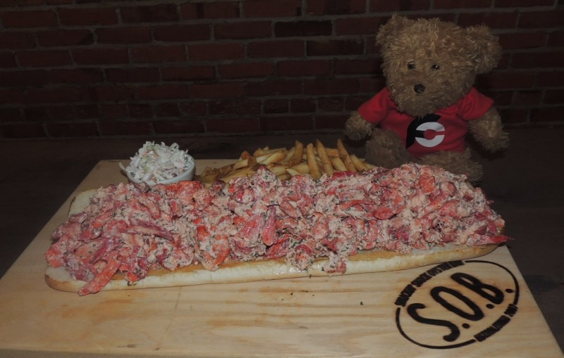 875-shuckin-shack-mega-lobster-roll-challenge-wilmington